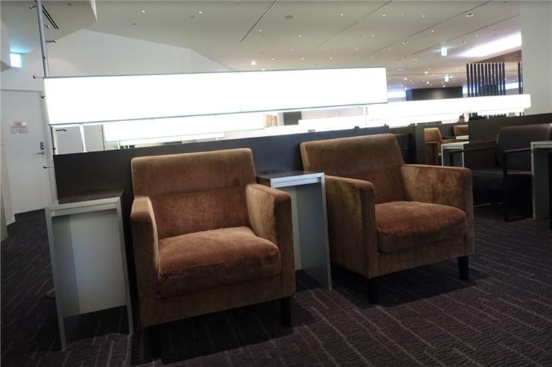 成田空港のANAラウンジの座席